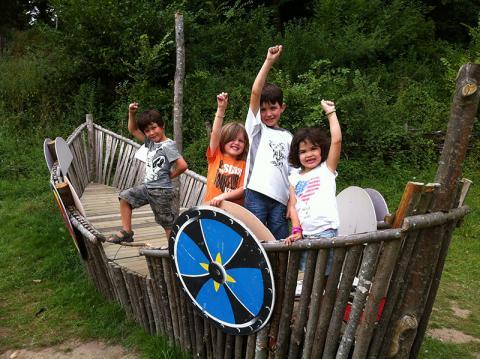 Jeux enfants - Bateau sur le site de Rieux